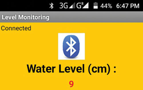 Water level (9cm) displayed on smartphone